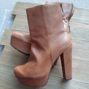 Steve Madden Shoes - Steve Madden Desirred Boots